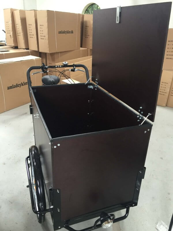 Electric cargo bike - With lid